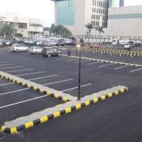 فتح البوابة الواقعة أمام الخدمات الطبية بطريق الملك وعزلها عن بقية الموقع  بمدينة السعودية بجدة.